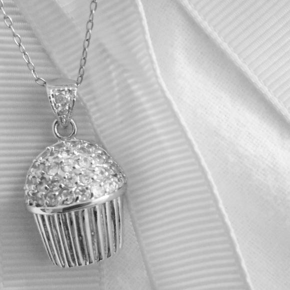 Jewelry - Cupcake Pendant Necklace